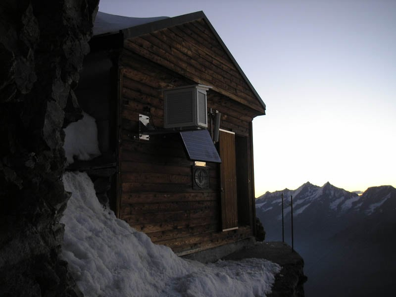 5175 Hut in the Clouds