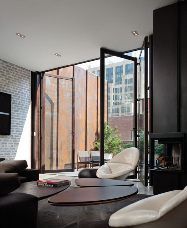 trendhome-inverted-warehouse-townhouse-new-york-1-600x901.jpg