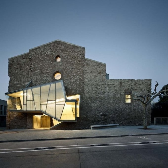 6d89c sant francesc conversion architecture 1 600x911 - The Saint Francis Convent Church by David Closes