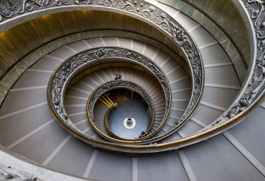 Astonishing Examples of Spiral Staircase Photography