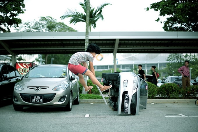 Amazing 'levitating' pictures by Jeff Cheong and Jayden -