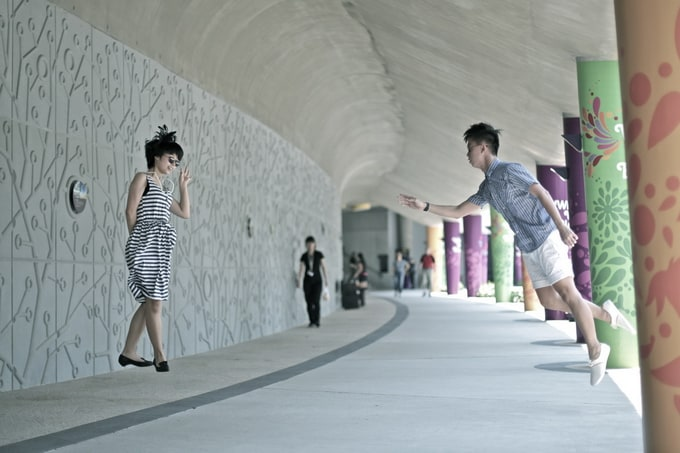 Amazing 'levitating' pictures by Jeff Cheong and Jayden