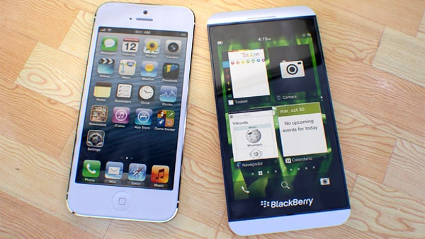 Comparison between BlackBerry Z10 and Apple's Iphone-