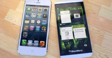 rp_Comparison-between-BlackBerry-Z10-and-Apples-Iphone-.jpg