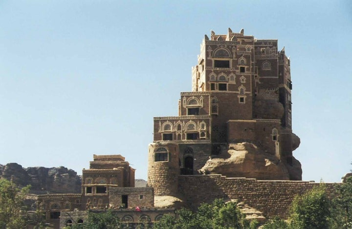 1354441912 4 - The palace on the rock in Yemen