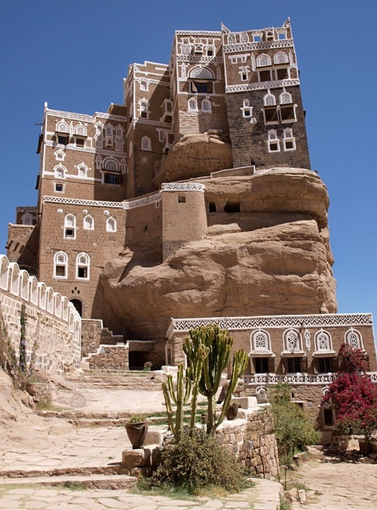 1354441953 1 - The palace on the rock in Yemen