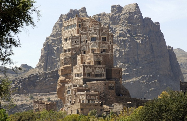 1354442318 0 1 - The palace on the rock in Yemen