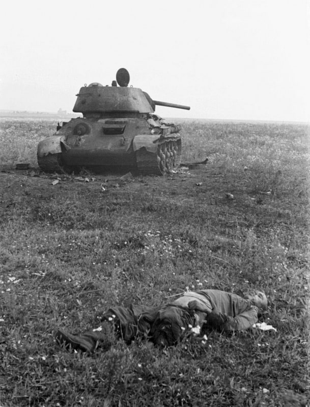 1943 Year in Pictures -war, bw