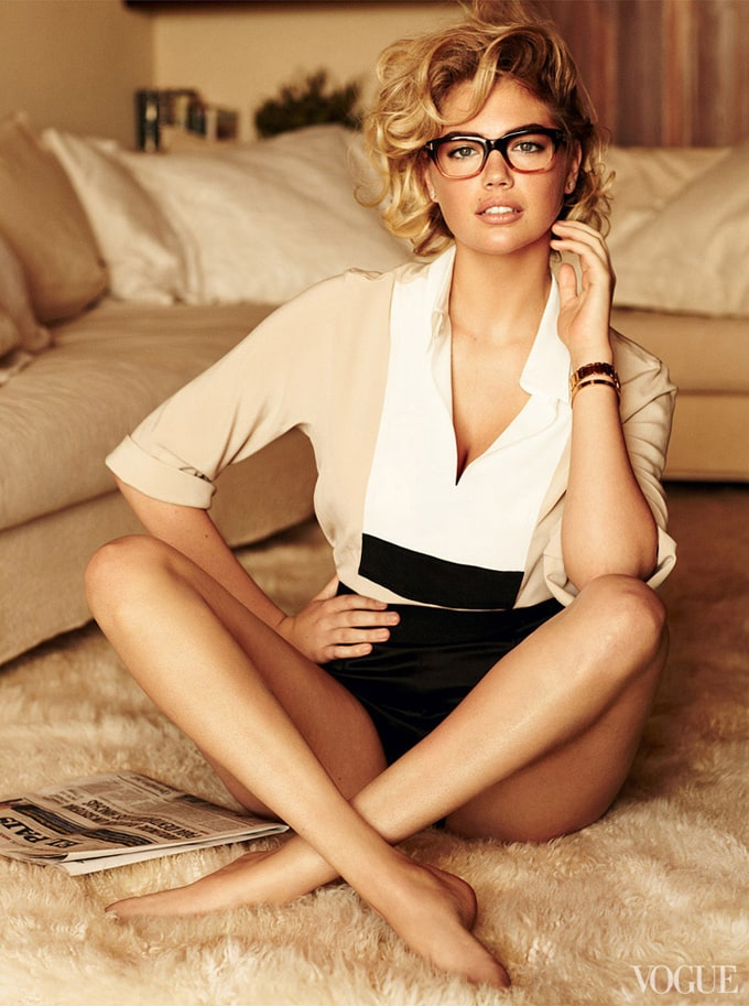 Kate-Upton-Vogue-US-Mario-Testino-06