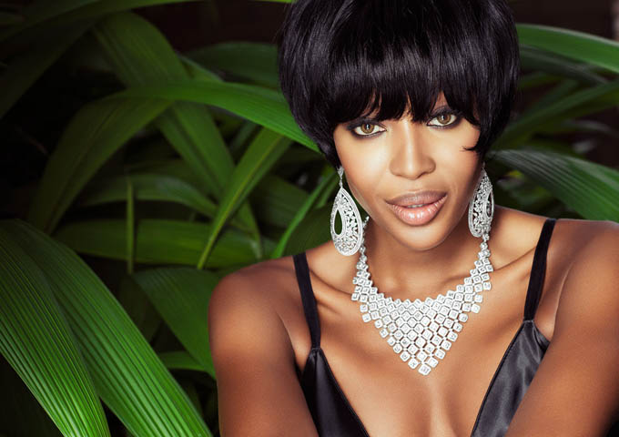 NaomiCampbell-by-Jacques-Dequeker-for-Vogue-Brazil-May-2013-2