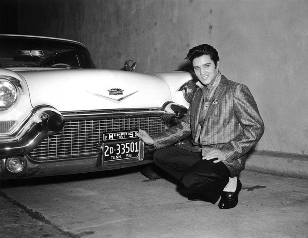 1529 990x765 - The Most Rare Photographs of Elvis Presley