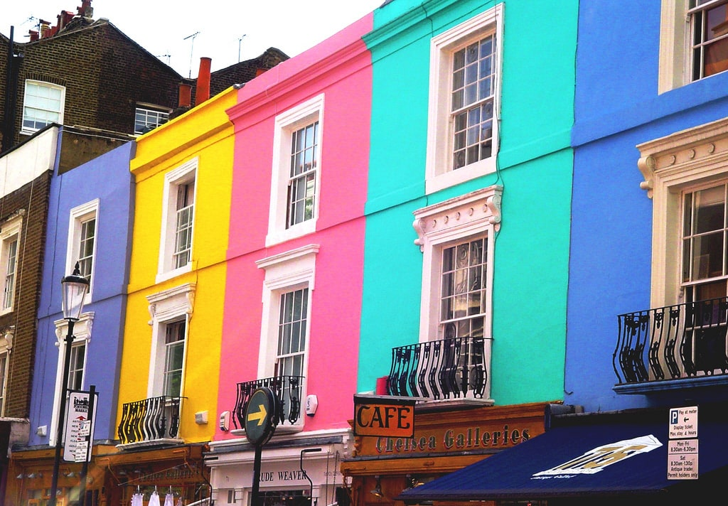 Colorful houses around the world freeyork for Funky house london