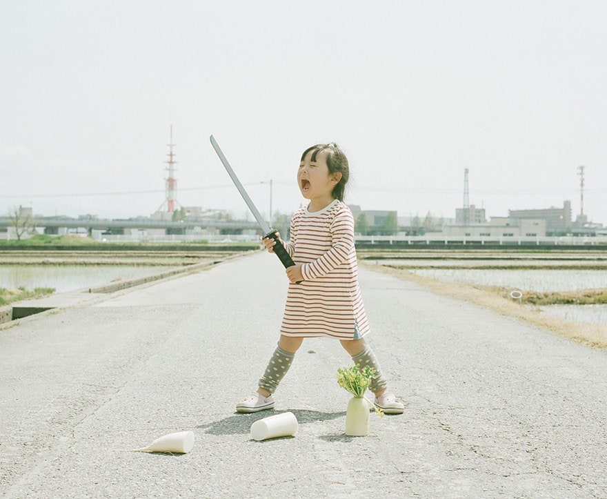 Photoshoot of 4-year-old girl by her father -photoshoot, kids