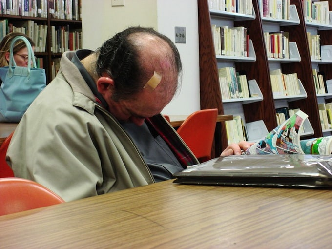 peoplesleepinginlibraries6