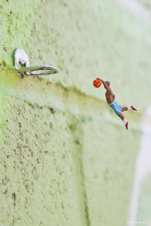 Street-Art-by-Slinkachu-1
