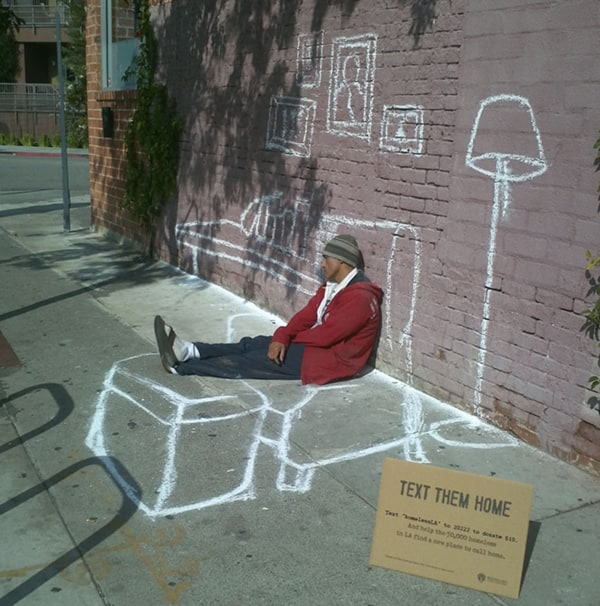 Text-Them-Home.-Street-Art-Project-for-the-homeless