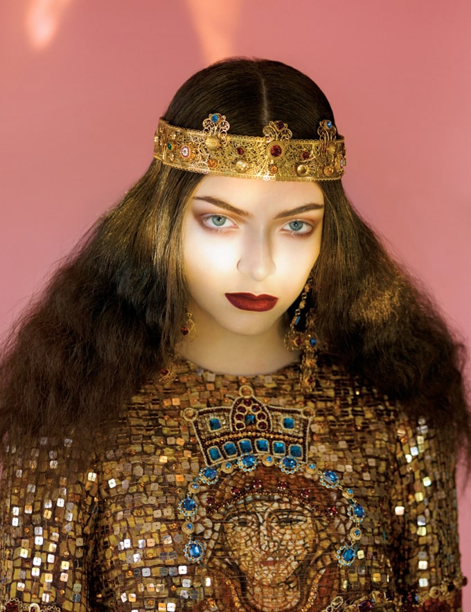 800x1040xlorde-royal-wild-magazine5_jpg_pagespeed_ic_i5FOnpLuoh
