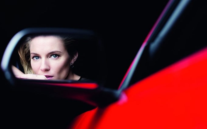 800x500xsienna-miller-ford-mustang3_jpg_pagespeed_ic_rE3W8B4jTY