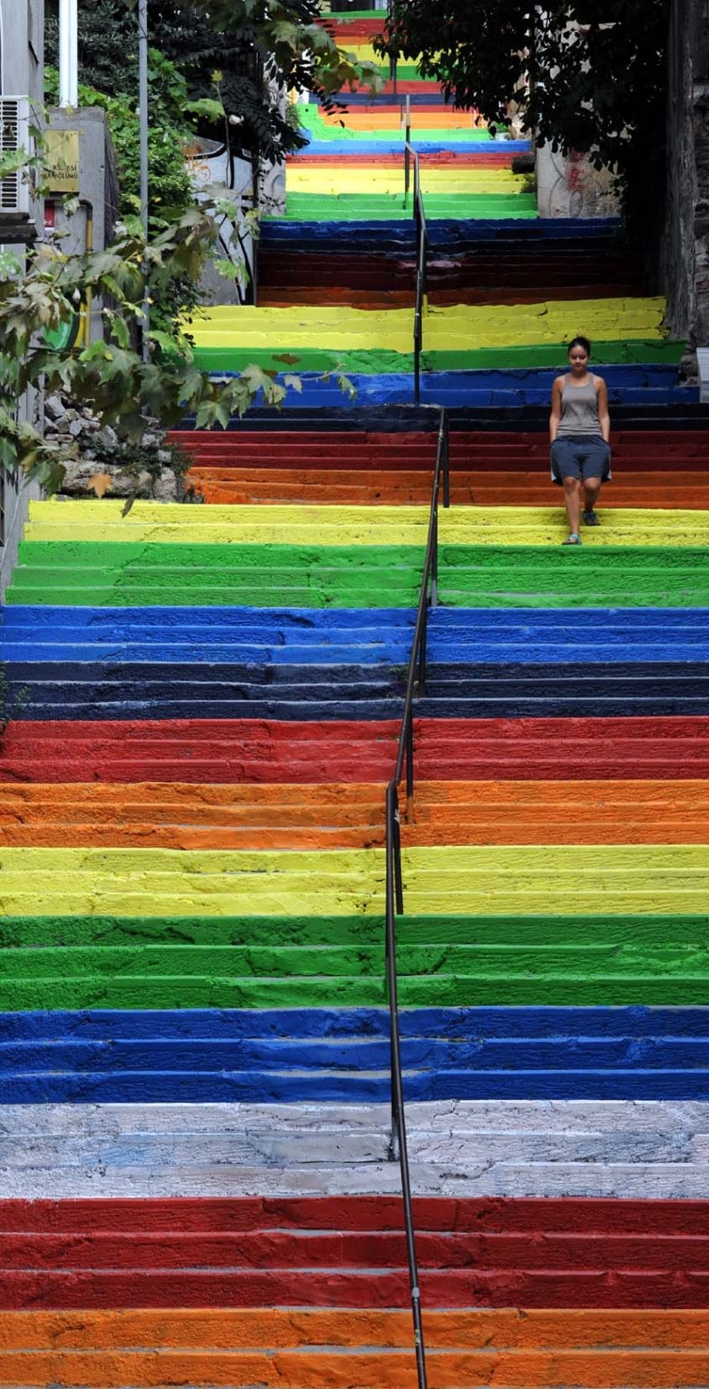 Street-Art-Color-Steps-in-Turkey-1