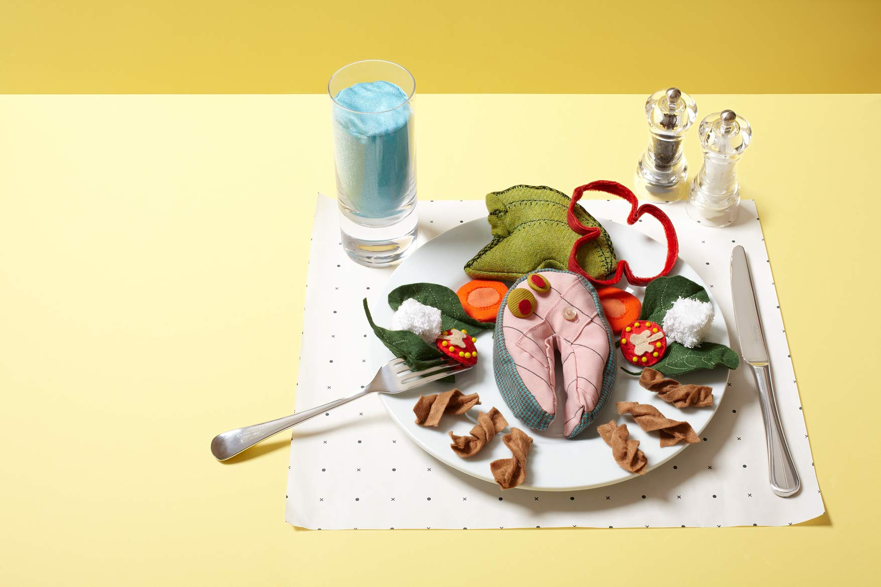 VL482_Menshealth_TailormadeFood_yellow_withpaper-r2_retouch
