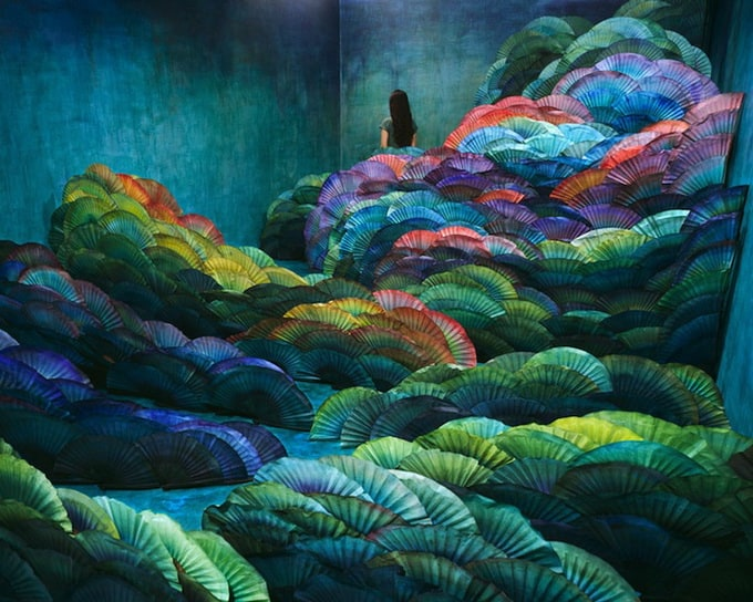 Paper worlds of Jee Young Lee -
