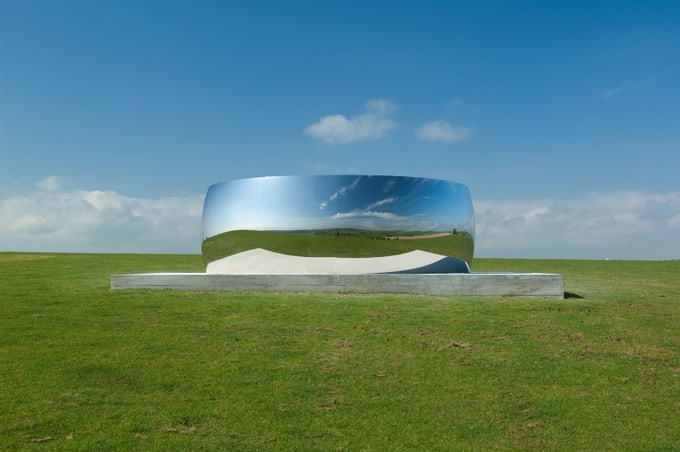 Contemporary Artist Anish Kapoor -installation, architecture