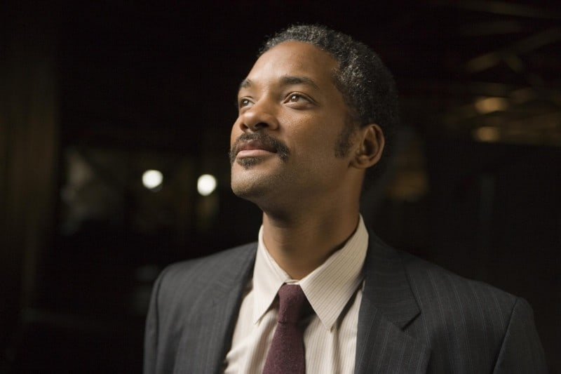 still-of-will-smith-in-the-pursuit-of-happyness-(2006)-large-picture
