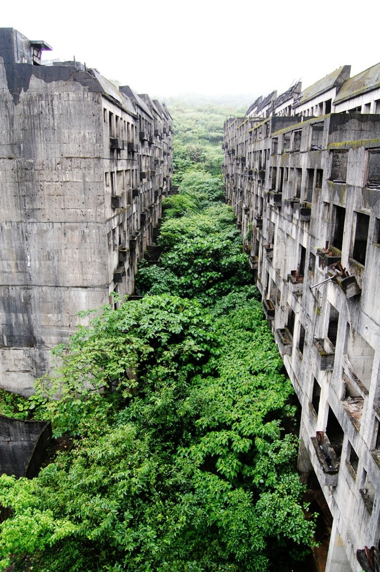 top 33 most beautiful abandoned places in the world 261 The 33 Most Beautiful Abandoned Places In The World