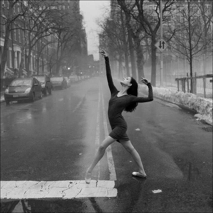 ballerinas_on_the_street_1