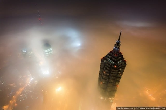 on-the-roofs-shanghai-tower_09