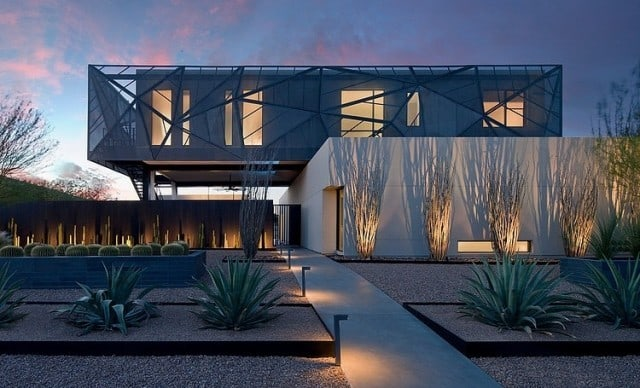 grey_house_in_las_vegas_02