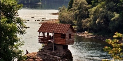 25 Cabins You Wish You Could Escape to