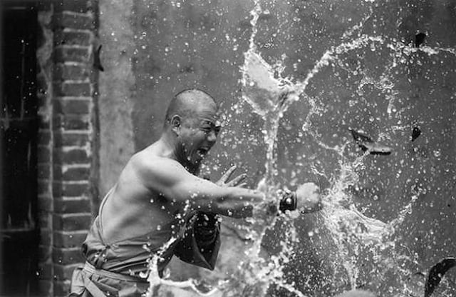 Shaolin-Monks-Training-Tomasz-Gudzowaty-0012