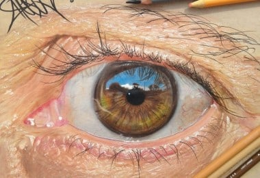 19-Year-Old Artist Draws Hyper-Realistic Eyes Using Just Colored Pencils