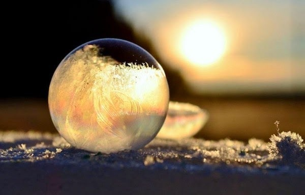 A+frozen+bubble.+-+The+30+Most+Amazing+Photos+Of+Frozen+Things+In+Honor+Of+The+Coldest+Morning+Of+The+21st+Century