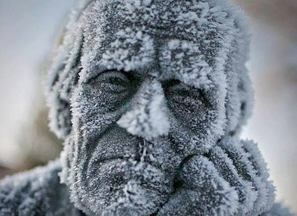 A+frozen+kind+of+depressed+statue.+ +The+30+Most+Amazing+Photos+Of+Frozen+Things+In+Honor+Of+The+Coldest+Morning+Of+The+21st+Century - The 30 Most Amazing Photos Of Frozen Things In Honor Of The Coldest Morning Of The 21st Century