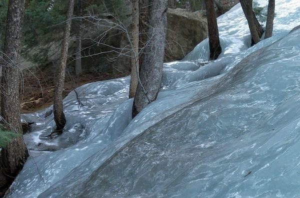 Flash frozen+waters+in+the+forest.+ +The+30+Most+Amazing+Photos+Of+Frozen+Things+In+Honor+Of+The+Coldest+Morning+Of+The+21st+Century - The 30 Most Amazing Photos Of Frozen Things In Honor Of The Coldest Morning Of The 21st Century