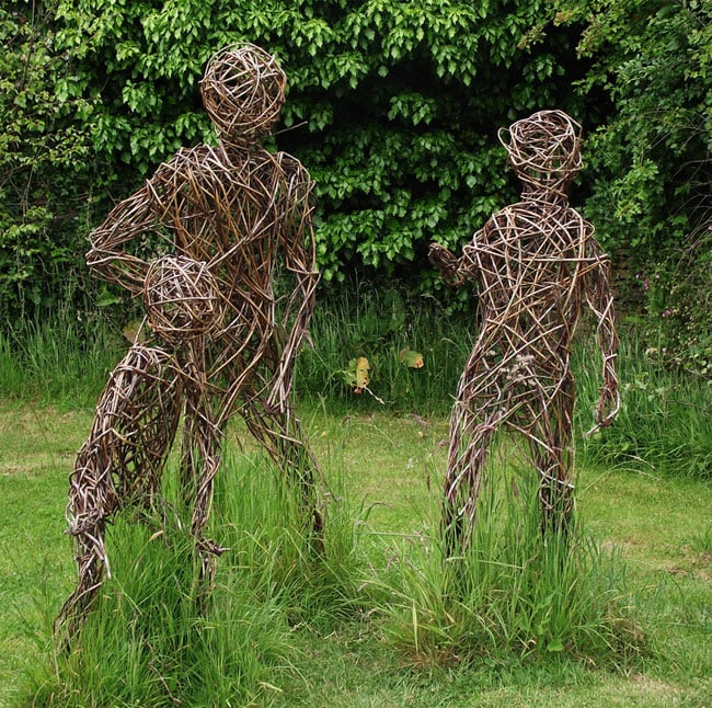 Stunning grass sculptures in the lost gardens of heligan for Gardening jobs cornwall