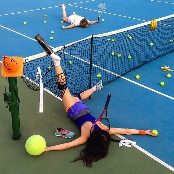 Hilariously_Photos_of_People_Posed_as_If_They_Have_Just_Fallen_by_Sandro_Giordoan_2014_05