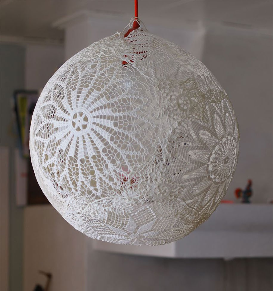 12 Amazing Light Lamps And Chandeliers Created Using Daily Life Objects -lamp, diy