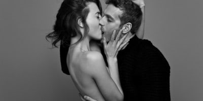 Passionately Kissing Couples by Ben Lamberty