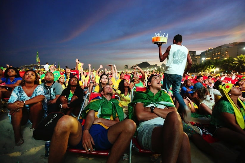 A_Photographic_Journey_Exploring_Crowds_At_The_WORLD_CUP_2014_In_Brazil_by_Jane_Stockdale_2014_01