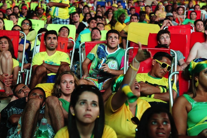 A_Photographic_Journey_Exploring_Crowds_At_The_WORLD_CUP_2014_In_Brazil_by_Jane_Stockdale_2014_03
