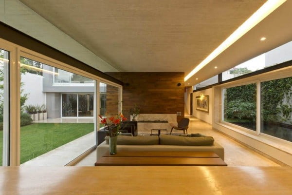 ae-house-twentyfourseven-mexico-city-inward-facing-design-3
