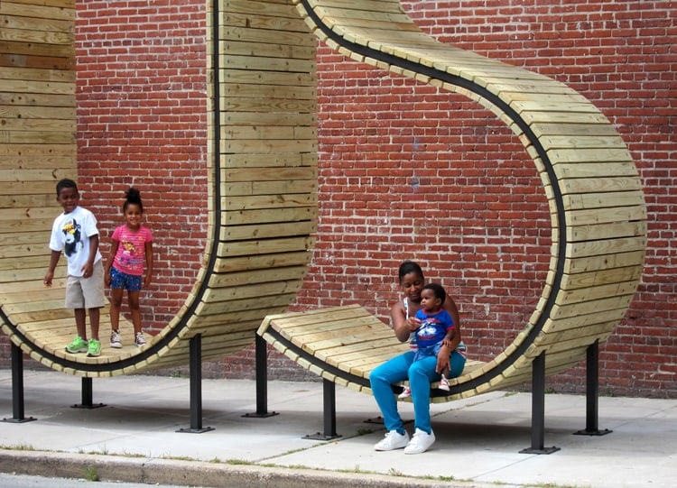 bus-stop-in-baltimore-by-mmm-3