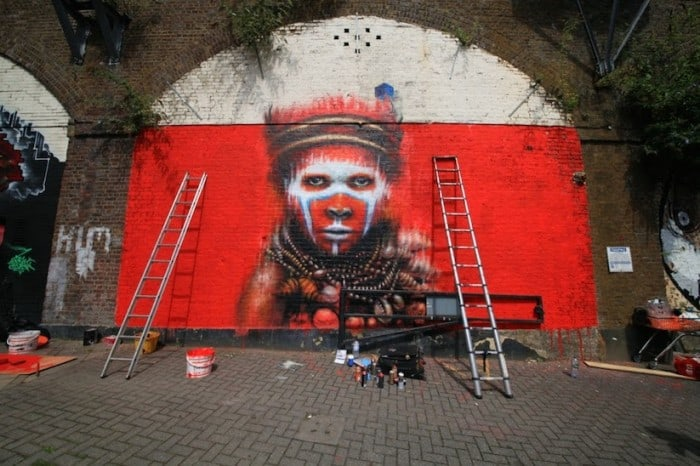 dale grimshaw camden london 03 700x466 - Streetart: New Mural by Dale Grimshaw in Camden