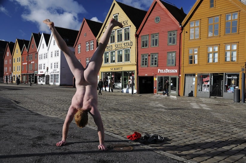 Cheeky_Travel_Photos_Of_A_Man_Doing_Handstands_In_The_Nude_Around_The_World_2014_02