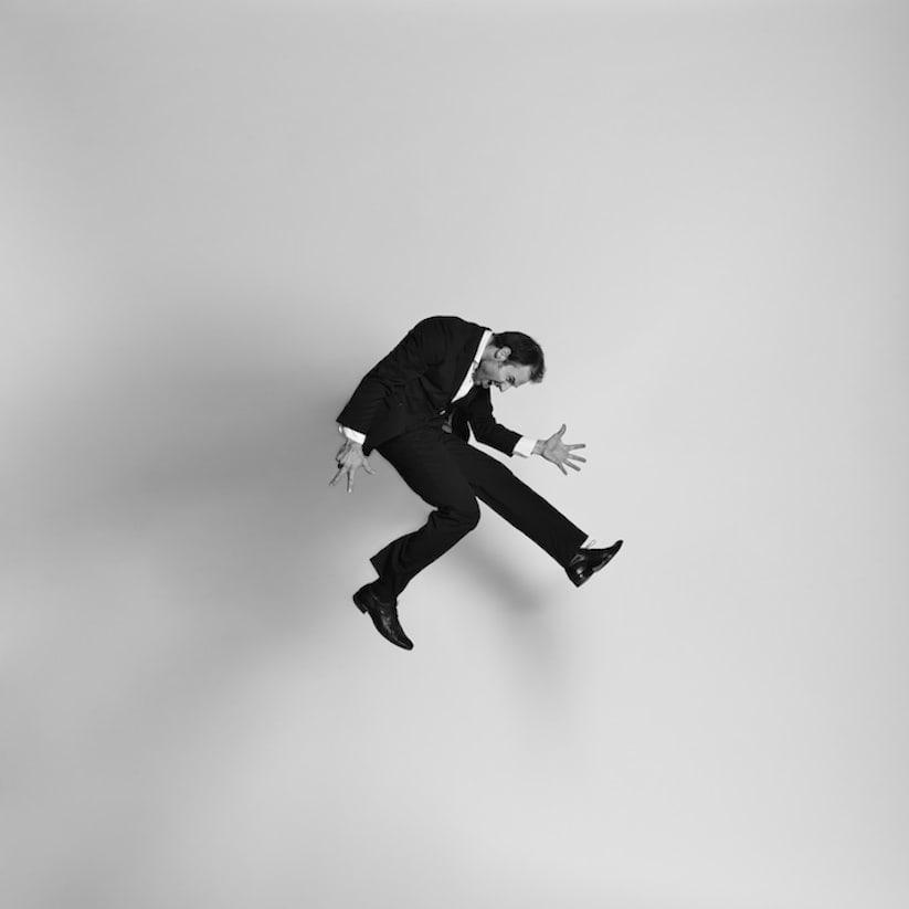Energetic_Black_And_White_Portraits_Of_People_Captured_In_Mid_Jump_2014_01
