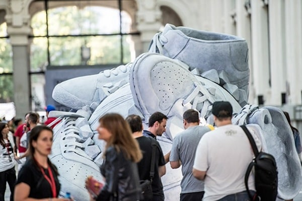 Nike _Come_Out_In_Force_Sneakerball_Sculpture_in_Madrid_Spain_2014_05