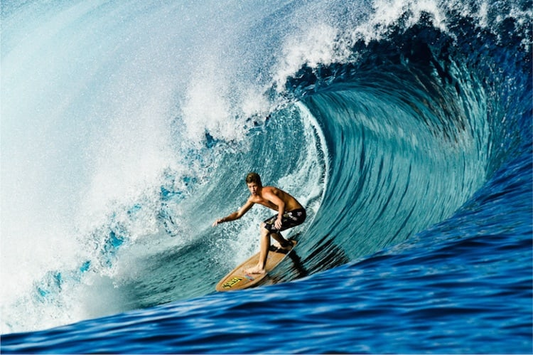 The_Thrill_Of_Surfing_Captured_In_Breathtaking_Photos_by_Ryan_Struck_2014_04